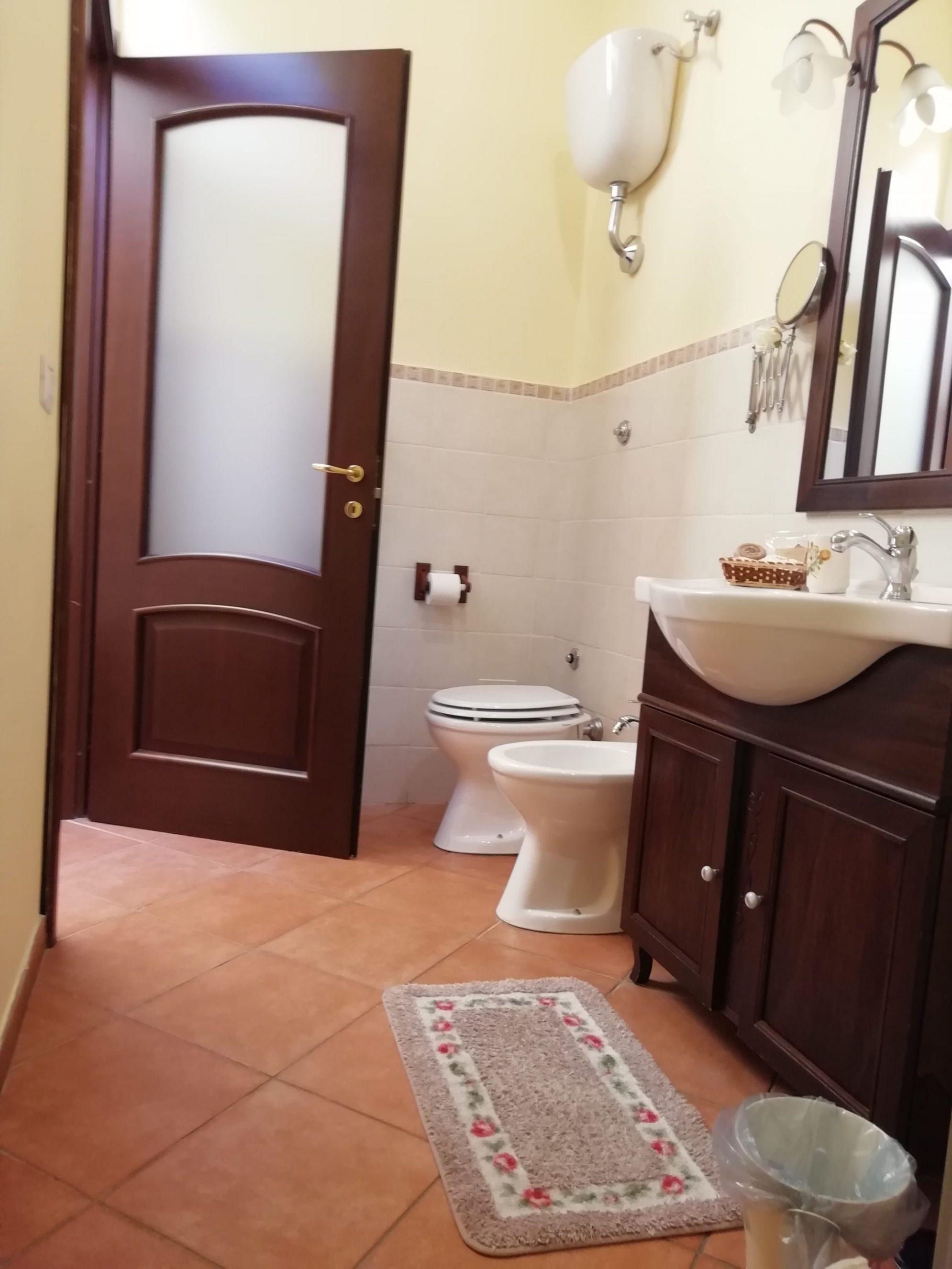 Baño, doble, naranja, detalles, Habitación Doble